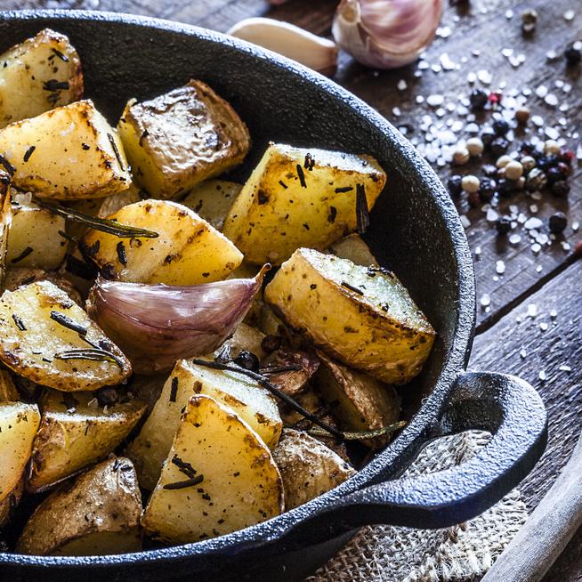 Kívül ropogós, rozmaringgal sült újkrumpli – Belül szinte krémes lesz