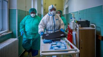 Négy újabb halottja van a koronavírusnak