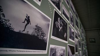 André Kertész fotógyűjteményt vásárol és szíriai várat újít a kormány