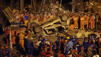 19-en meghaltak, több épület összedőlt egy kínai tartálykocsi-robbanásban