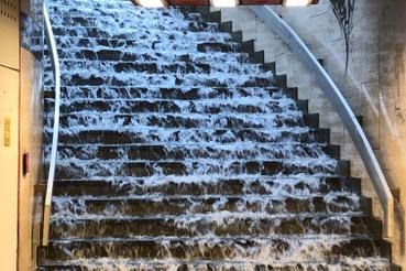 Vízlépcső a Nyugati aluljáróban