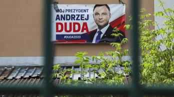 Andrzej Duda melegellenes kampányáról ír a BBC