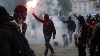 Macron: Franciaország nem töröl neveket a történelemből, és nem dönt le szobrokat