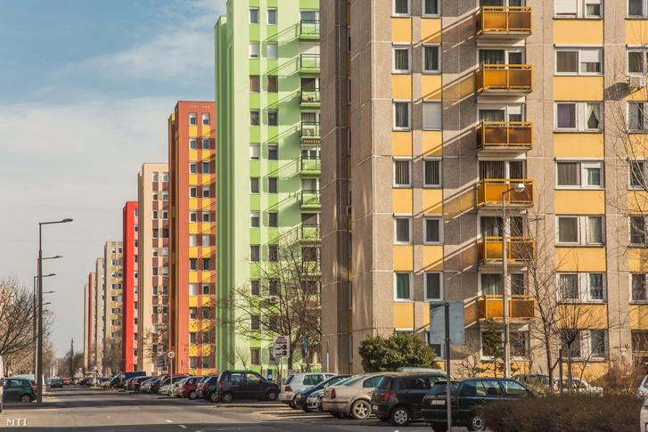 Panelházak a főváros X. kerületében 2016-ban.
