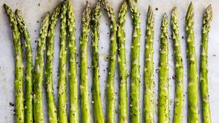 Spárga-fenyőmag saláta – elegáns és könnyű fogás csak 5 összetevőből