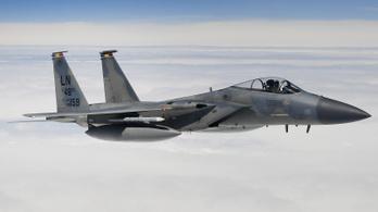 Az Északi-tengerbe zuhant egy amerikai vadászgép, a pilóta nem élte túl