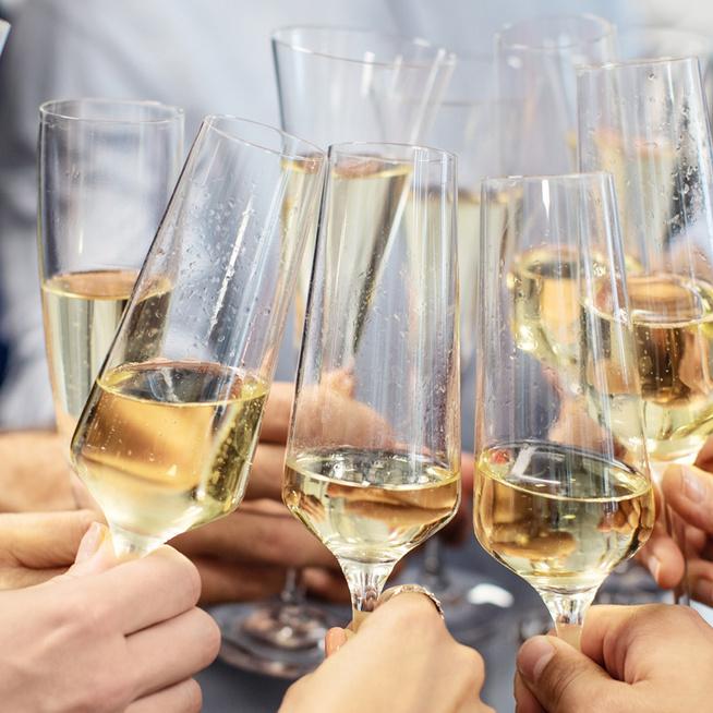 Érdekel, hogy készül a pezsgő? A hétvégén a Balaton mellett megnézheted és kóstolhatsz is