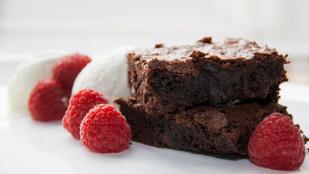 Klasszikus csokis brownie-alaprecept (gluténmentes, cukormentes)