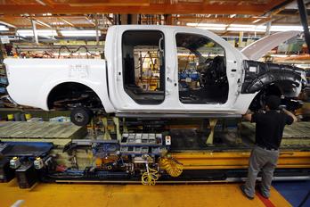 Kínaiak vehetik át a spanyol Nissan gyárat