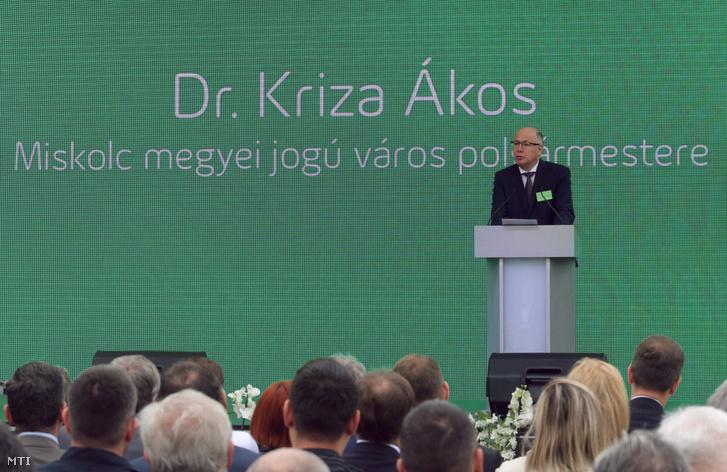 Kriza Ákos polgármester beszédet mond a 125 éves az ÉMÁSZ ünnepi rendezvényén Miskolcon 2019. május 21-én.