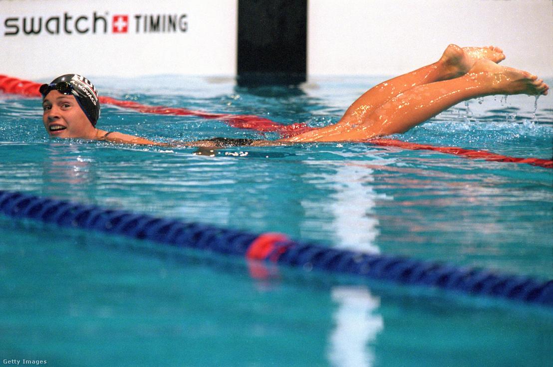 Kovács Ági a megnyert olimpiai döntő után Sydney-ben 2000. szeptember 20-án