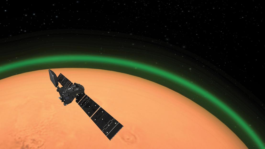 ExoMars Trace Gas orbiter spots daylight green oxygen at Mars