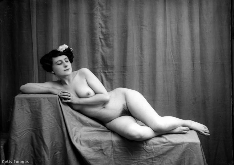Ebben a lapozgatóban jobbára a húszas évekből láthat majd erotikus fotókat: természetesen a huszadik század húszas éveiről van szó