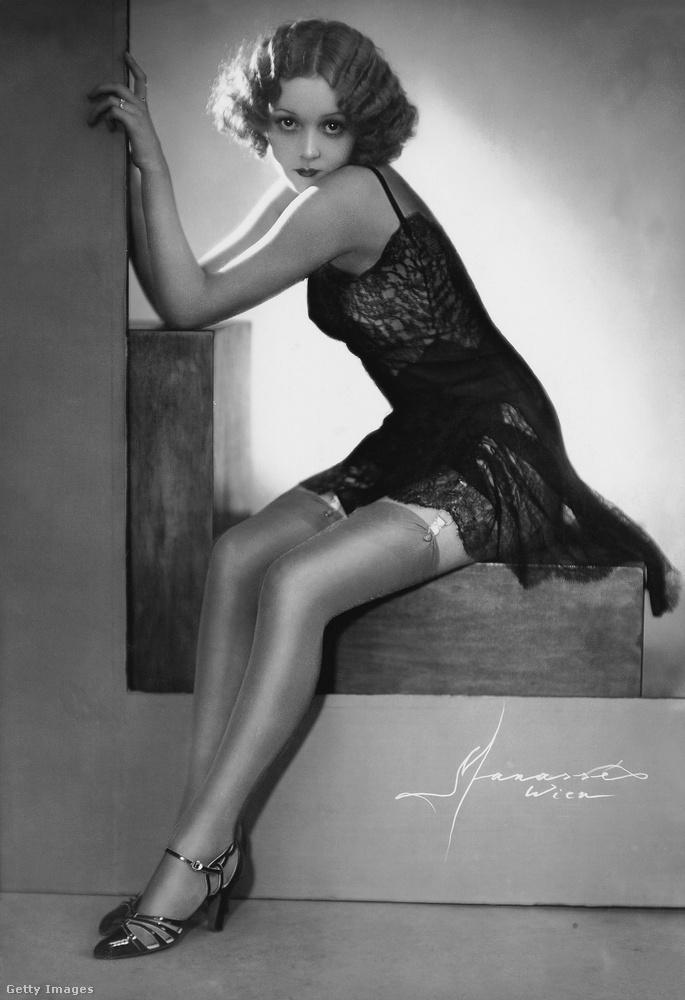 Ő Hilde Lassl táncosnő, ez a fotója 1933-ban jelent meg egy bécsi újságban.