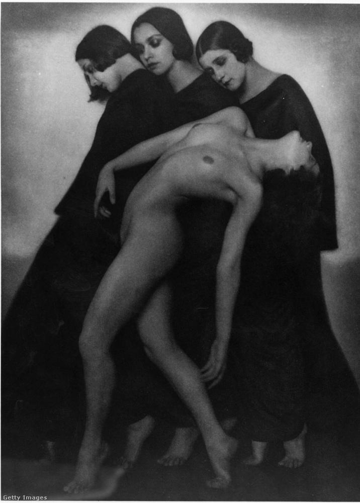 Ez a fotó a leírása szerint egy mozgástanulmány, amit Professor Koppitz készített Bécsben 1927-ben