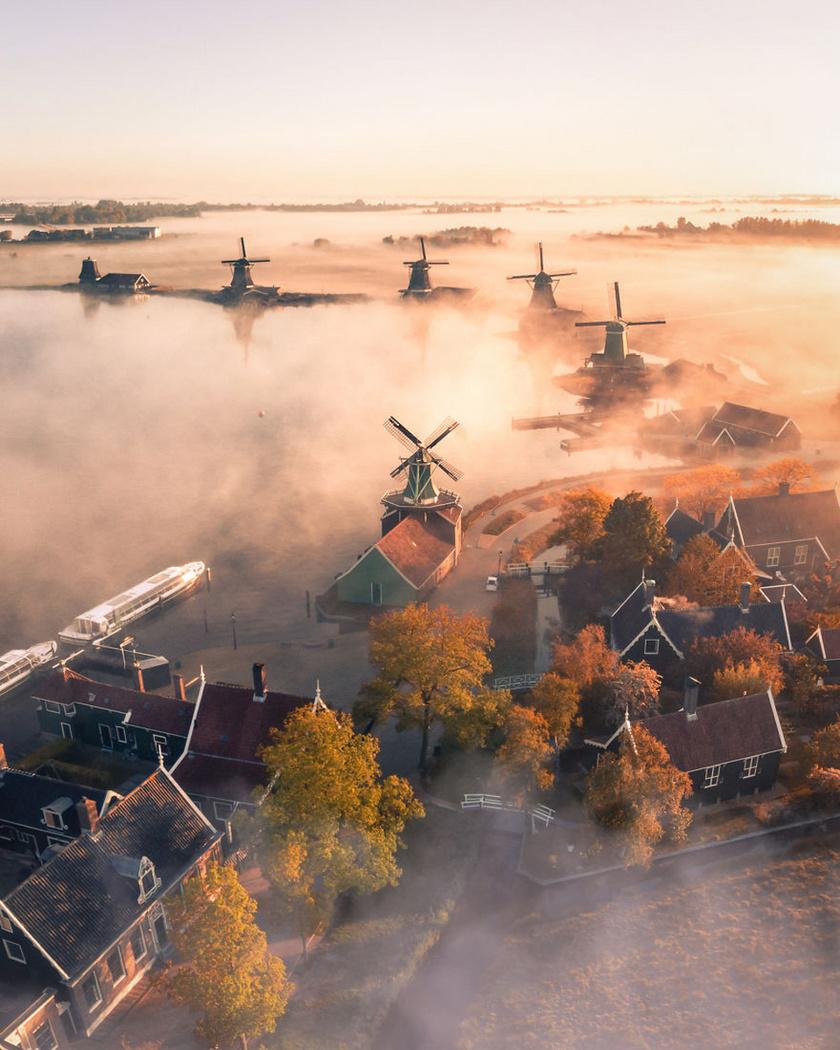 Varázslatos reggel Hollandiában.