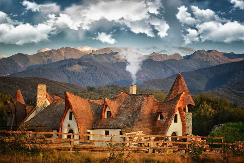 Erdély kis mesekastélya épült meg a Tündér-völgyben: a Fogarasi-havasok gyöngyszemét imádják a turisták