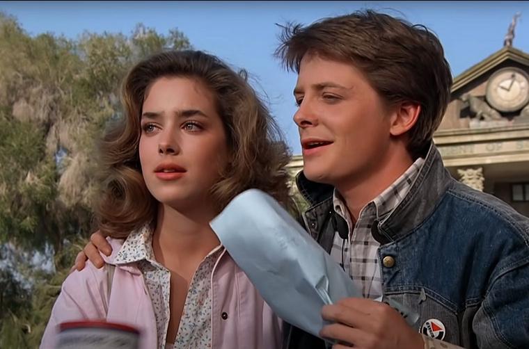 Mielőtt megmutatnánk nélküle, idézzük fel, honnan ismerjük: Jennifer Parkert, vagyis Marty McFly barátnőjét alakította