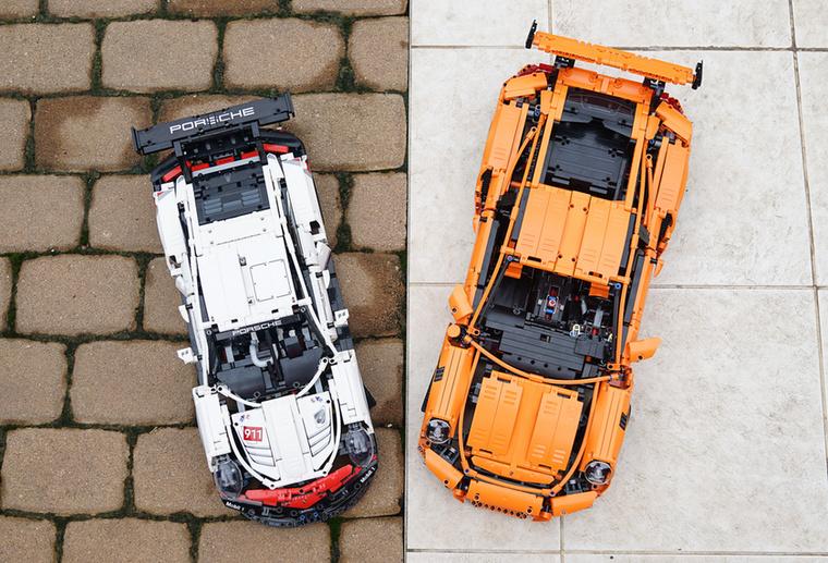 A GT3 RS 1124-el több darabból áll, ez látszik is.