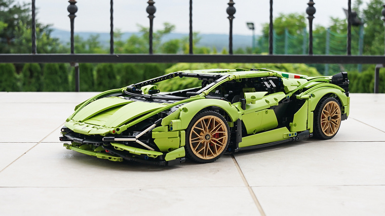 A gyűjtemény legújabb tagja a Lamborghini Sián FKP 37, ami nemkevesebb, mint 3696 darabból áll