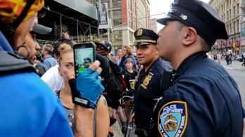 Hé, Siri, épp most állított meg egy rendőr!