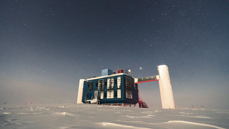Vadászat az antarktiszi szellemrészecskére