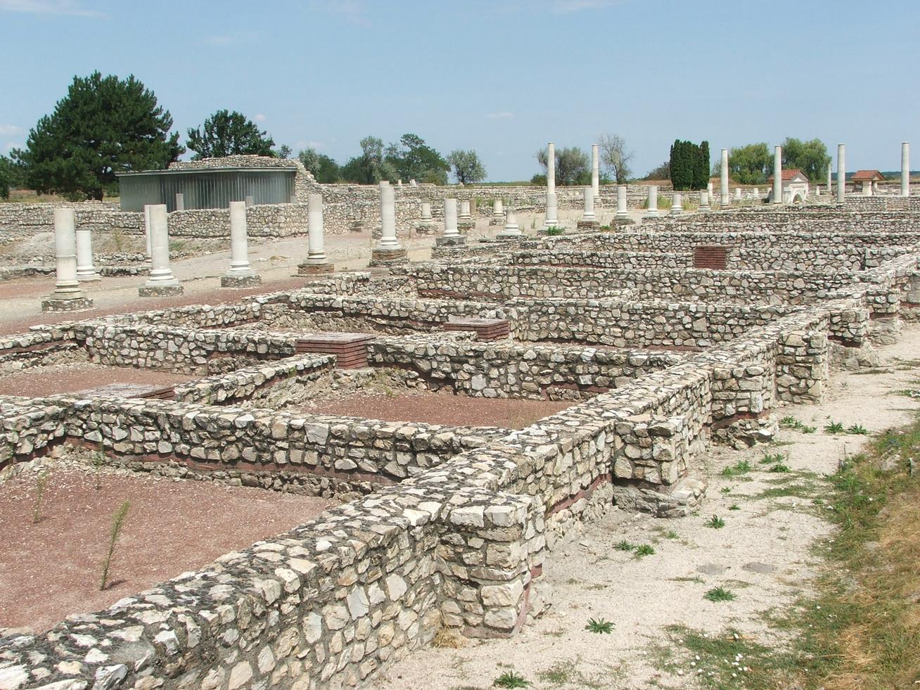 Decumanus Maximus, főutca
