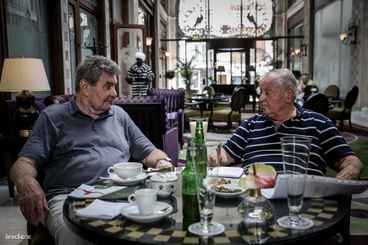 Domján Árpád (b) és Kárpáti György 2019-ben. Az 1956-os csapatban Domján tartalék volt, Kárpáti pedig a vezére.