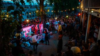 Újra lehet 500 fősnél kisebb koncerteket tartani