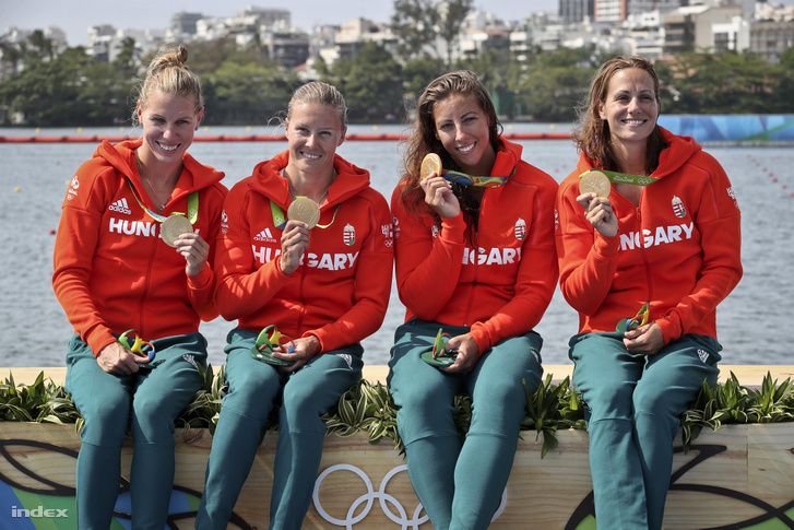 Az aranyérmes kvartett Rióban 2016. augusztus 20-án, Szabó Gabriella, Kozák Danuta, Csipes Tamara és Fazekas-Zur Krisztina