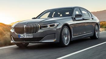 Erősebb és tisztább dízeleket kap a 7-es BMW