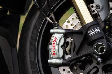 Brembo M50 nyereg