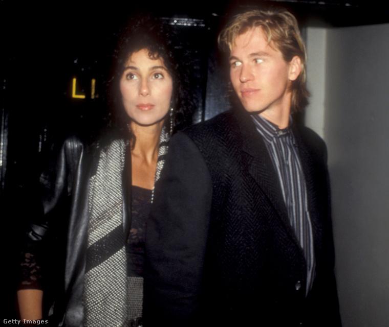 Cher és az álmodozó tekintetű Val Kilmer, 1984-ben.