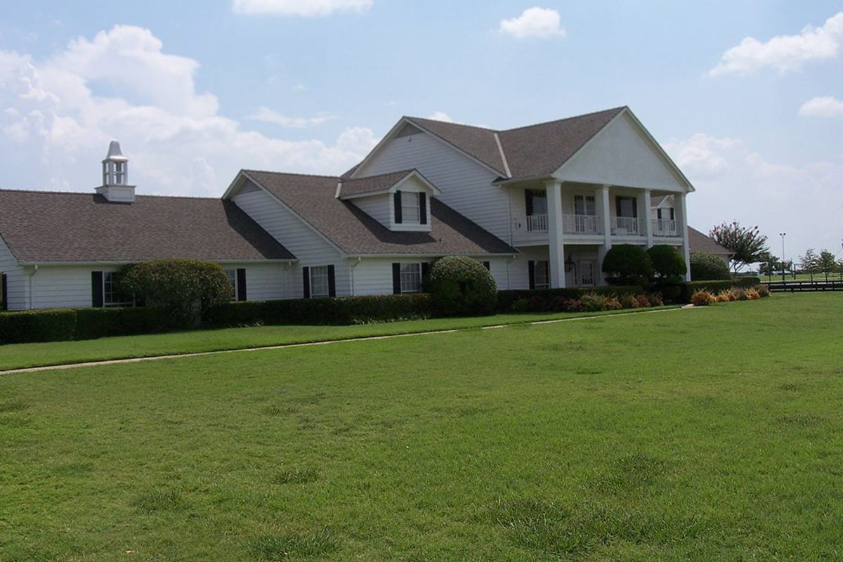 Melyik sorozatban szerepelt a képen látható ház?