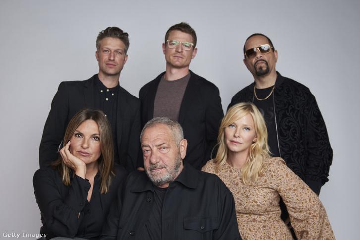 Mariska Hargitay, Peter Scanavino, Dick Wolf, Kelli Giddish, Ice-T és Philip Winchester (Law&Order: SVU) a Tribeca filmfesztiválon, 2018-ban.