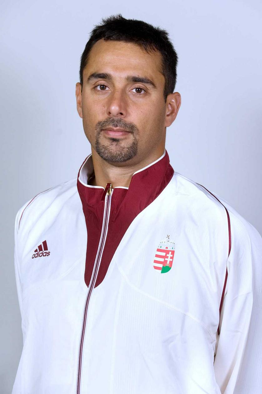 Szécsi Zoltán vízilabdázó, a londoni nyári olimpiai játékokra utazó magyar csapat tagjaként 2012 júliusában