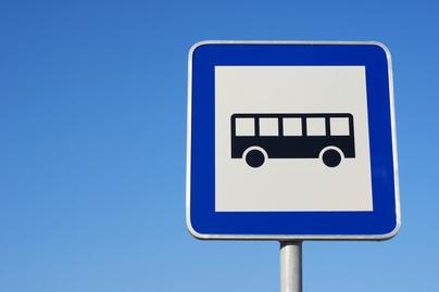 buszmegálló kresz teszt