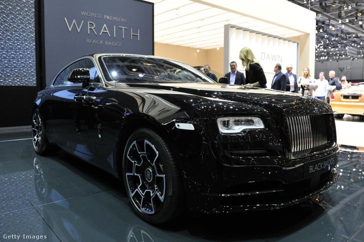 A 2016-os Genfi Autószalonon kiállított Rolls Royce Wraith Black Badge