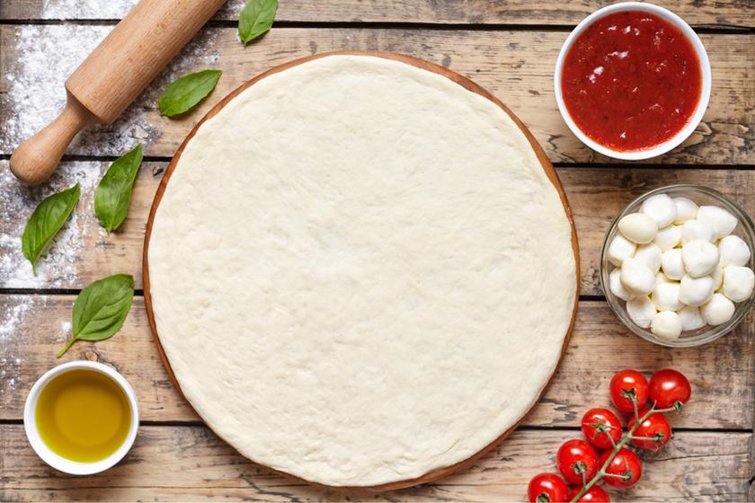 Pizzatészta alaprecept: így lesz tökéletes, rugalmas, jól nyújtható