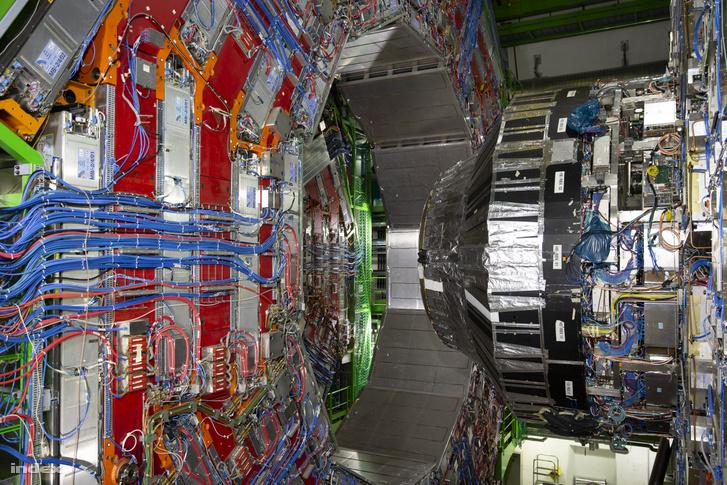 Az LHC egyik fő detektora, a CMS (Compact Muon Solenoid)