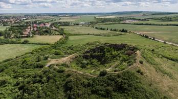 Évszázadokig rejtőzött Verpeléten a magyar vulkán