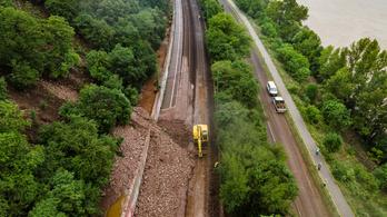 Csak júliusra állhat helyre a vonatforgalom Nagymaros és Szob között