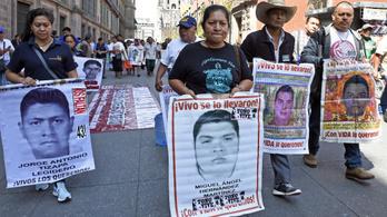 Több száz holttest kilenc mexikói tömegsírban