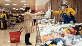 Százeurós büntetést kap, aki nem visel maszkot a spanyol boltokban