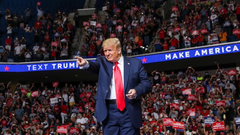 Trump: Megkértem az embereimet, hogy lassítsák le a tesztelést