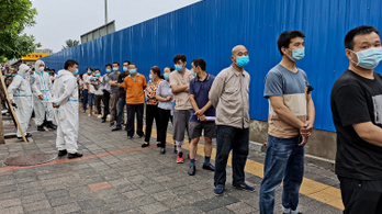 Egymillió embert is tesztelni tudnak naponta koronavírusra Pekingben