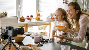 Hogyan (ne) reklámozz gyerekkel? Gyermekjogi útmutató influencereknek és hétköznapi szülőknek