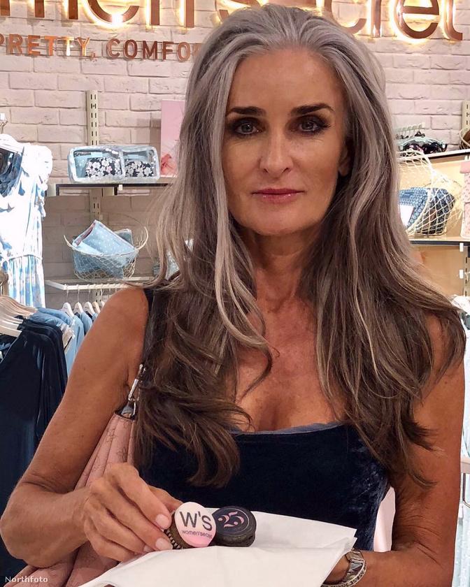 Caroline Labouchere, angol modell 55 éves korában is kirobbanó formában van, simán letagadhatna pár év(tized)et