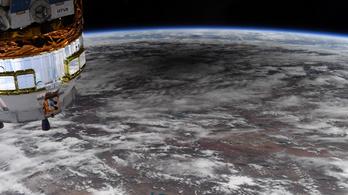 Így néz ki a gyűrűs napfogyatkozás az űrből