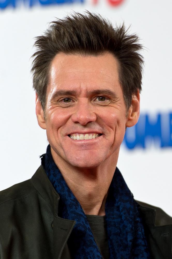 Jim CarreyKi gondolná, hogy a mindig komédiázó Jim Carrey nehéz körülmények közül jött? Pedig a színésznek nem mindig volt oka kacagásra